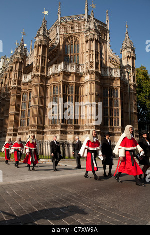 Lord Chancellor's Breakfast. Members of the Judiciary in procession from  Westminster Abbey to Houses of Parliament. - Stock Photo