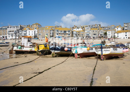 Fishing boats in St Ives harbour, Cornwall, England. - Stock Photo