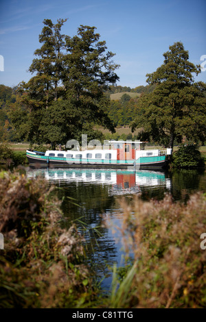 The barge Morgenster moored alongside the River Thames near to Pangbourne, Reading, Berkshire. - Stock Photo