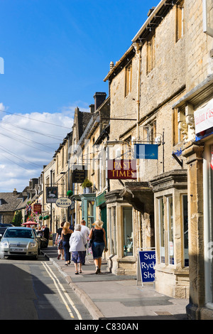 Shops on The Square, Stow-on-the-Wold, Gloucestershire, England, UK - Stock Photo