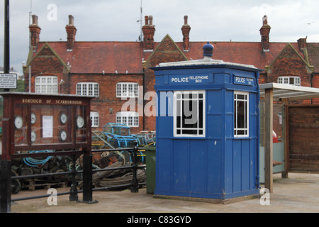 police telephone box tardis blue - Stock Photo