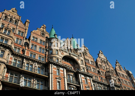 Hotel Russell, 1-8 Russell Square, Bloomsbury, London, United Kingdom - Stock Photo