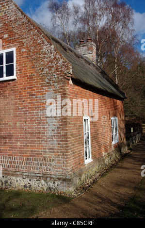 Toad Hole Cottage at How Hill in Norfolk is the Victorian home of a marshman, Broads National Park - Stock Photo