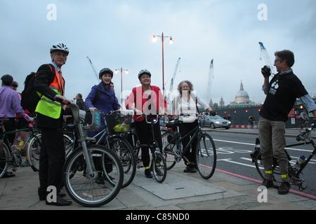 LibDem mayoral candidate Brian Paddick, and London Assembly Members Caroline Pidgeon, Val Shawcross (Transport Committee - Stock Photo