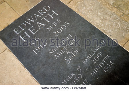 Memorial plaque for Edward Heath, who's ashes were interred in Salisbury Cathedral in Wiltshire, UK. - Stock Photo