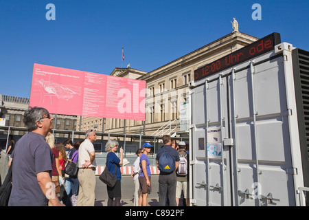 visitors queuing in front of the Museum 'Neues Museum' at 'Museum Island', Mitte, Berlin, Germany, Europe - Stock Photo