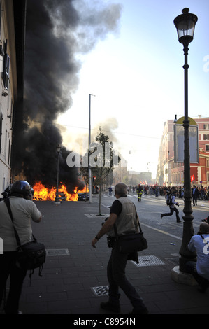 Indignants Protest in Rome turns violent - Stock Photo