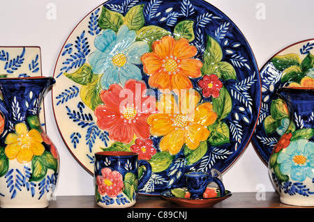 Portugal, Alentejo: Traditional pottery products in the souvenir shop 'Mufla' in Monsaraz - Stock Photo