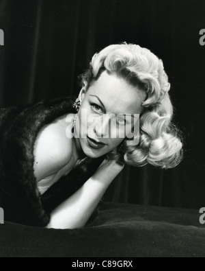 PATTI MORGAN (CHAMOUN) 1928-2001 - Australian-born fashion model and film actress about 1950 - Stock Photo