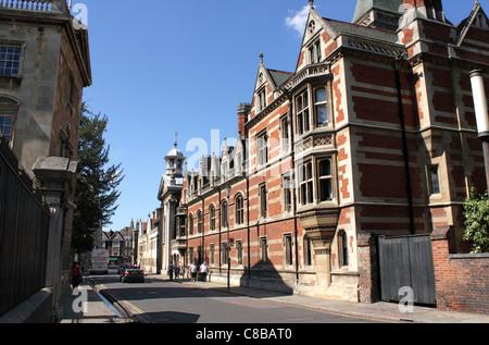 Trumpington Street Cambridge Pembroke College on right - Stock Photo