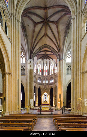 Interior of the Cathedral Sainte Marie, Bayonne (Baiona), Cote Basque, Southern France - Stock Photo