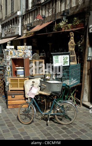 Antiques, Bric-a-brac shop in City of Troyes, France - Stock Photo