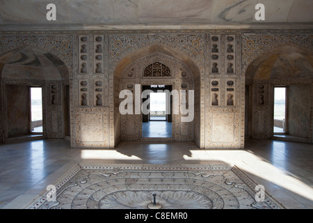 Khas Mahal Palace with pietra dura jewel inlay in marble built by Mughal Shah Jehan for his daughters at Agra Fort, - Stock Photo