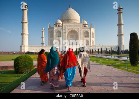 Indian tourists visiting The Taj Mahal mausoleum approach the southern view, Uttar Pradesh, India - Stock Photo