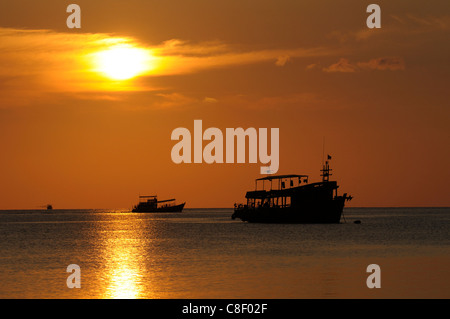 Boats, sunset, Sai Ree, Beach, Koh Tao, Thailand, Asia, - Stock Photo