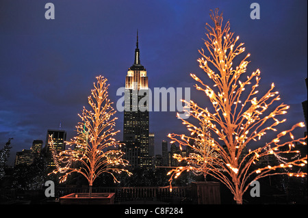 Empire State Building, Manhattan, New York, USA, United States, America, Christmas, lights - Stock Photo