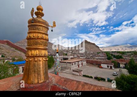 View over Gyantse and its dzong, Tibet, China - Stock Photo