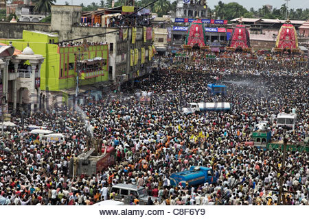 A Ratha Yatra religious festival in temple town of Puri. - Stock Photo