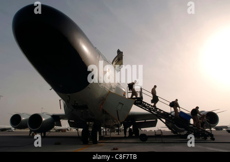 Shortly after an RC-135 Rivet Joint returns to it's desert base in the Persian Gulf following a mission over Iraq, - Stock Photo