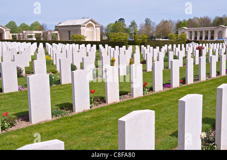 Graves in the Bayeux War Cemetery, largest British Cemetery of the Second World War, Bayeux, Calvados, Normandy, - Stock Photo