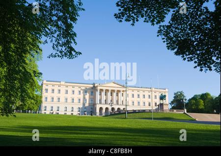 Det Kongelige Slott (Royal Palace, Oslo, Norway, Scandinavia - Stock Photo