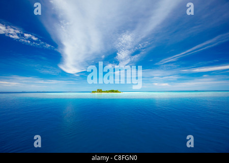 Deserted island, Maldives, Indian Ocean - Stock Photo