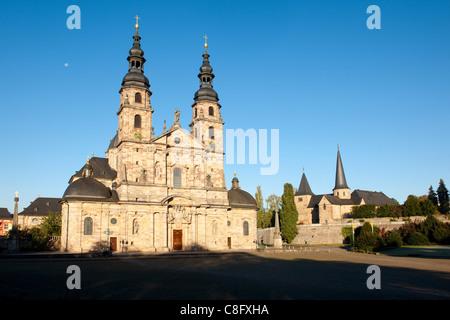 Dom zu Fulda mit Michaelskirche im Hintergrund, Hessen, Deutschland cathedral St.Salvator in Fulda with michael - Stock Photo