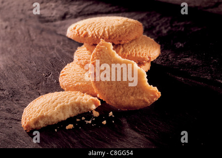 whole & broken traditional Scottish shortbread biscuits - Stock Photo