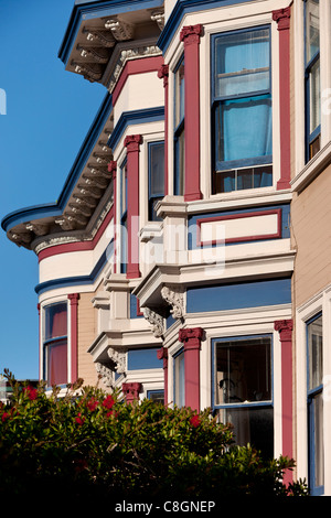 Victorian style houses in haight ashbury neighborhood san for Victorian style apartment