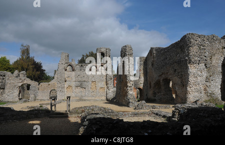 WOLVESEY CASTLE, WINCHESTER,BUILT IN 1140 AND HOME TO THE BISHOPS OF WINCHESTER SINCE ANGLO SAXON TIMES - Stock Photo