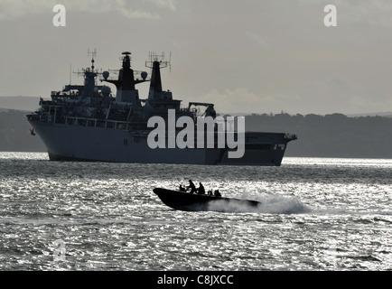 HMS Bulwark (L15) Albion-class landing platform dock, the UK's newest class of amphibious assault warship - Stock Photo