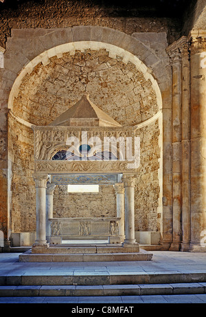 Ciborio of the abbey of San Clemente a Casauria near Pescara and Chieti. - Stock Photo