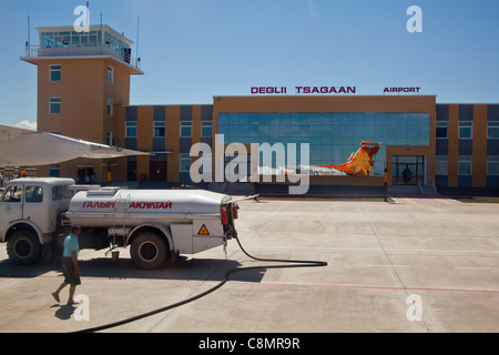 Deglii Tsagaan airport in Mongolia with fuel truck on the tarmac - Stock Photo