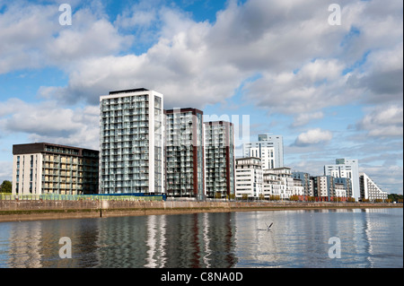 The Glasgow harbour housing development on the banks of the River Clyde in Glasgow, Scotland. - Stock Photo