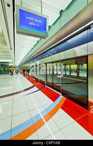 Dubai metro station modern interior design opened in for Al saffar interior decoration l l c