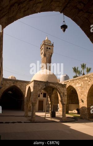 Courtyard of the 14th century Al Tawbat Mosque, old city, Tripoli, northern Lebanon. - Stock Photo