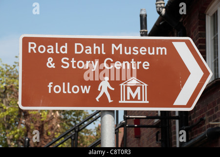 Tourist sign for the Roald Dahl Museum & Story Centre in Great Missenden,.Chiltern Hills in Buckinghamshire, UK. - Stock Photo
