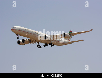 Etihad Airways Airbus A340-500 four-engine jet airliner on approach. Long-distance commercial flight. - Stock Photo