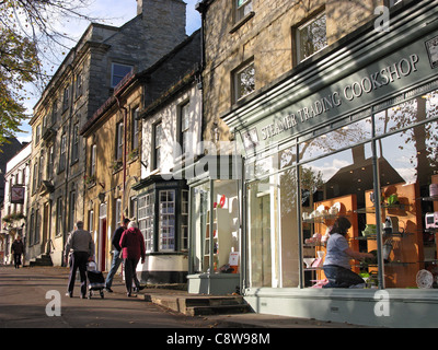 WITNEY, OXFORDSHIRE. A view of the High Street. 2008. - Stock Photo