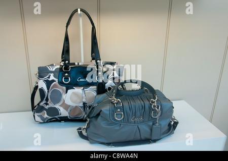 coach bags on sale outlet ogvj  coach handbags america