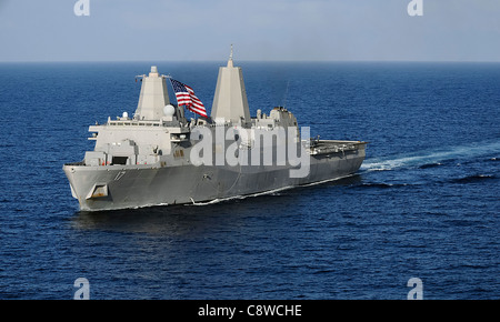 The amphibious transport dock ship USS San Antonio (LPD 17) transits the Gulf of Aden. - Stock Photo