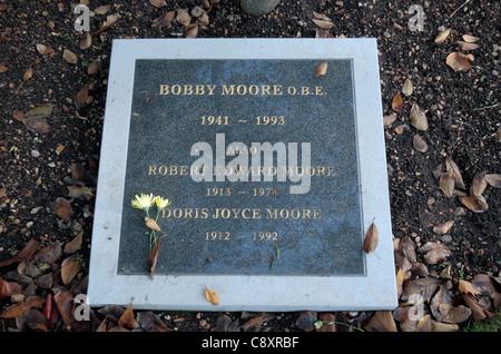 Memorial plaque to Bobby Moore, the England captain in the 1966 World Cup, in the City of London Cemetery, London, - Stock Photo