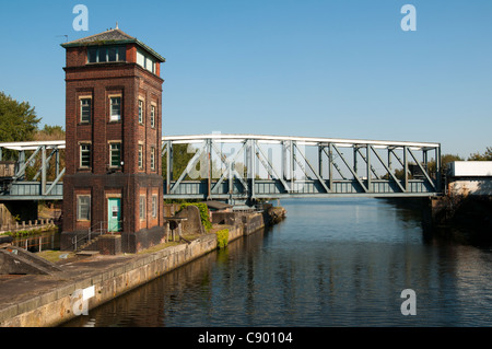 The Barton Swing Aqueduct, which takes the Bridgewater Canal over the Manchester Ship Canal. Barton, Manchester, - Stock Photo
