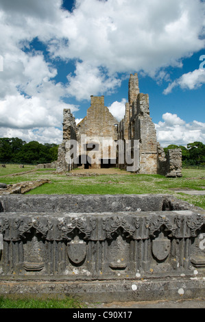 Egglestone Abbey is a late 12th century Premonstratensian abbey near Barnard Castle. It is a ruin but there are - Stock Photo