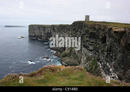There is a square memorial tower to Field Marshall Lord Kitchener at Marwick Head. The monument commemorates the - Stock Photo