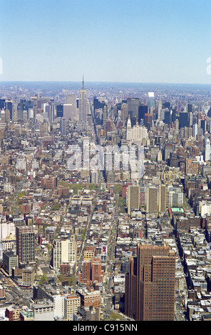 New York is famed for its impressive skyline with a astounding amount of skyscrapers and high office and apartment - Stock Photo