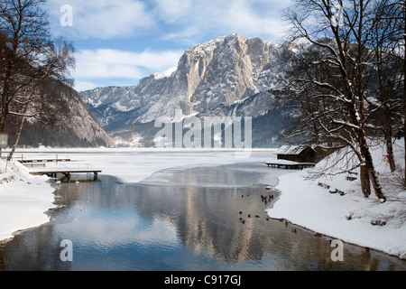 Lake Grundl or Grundlsee is a large lake in the Salzkammergut, in the mountains of the Totes Gebirge range. - Stock Photo