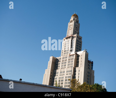 The Williamsburgh Savings Bank Tower is one of the tallest buildings in brooklyn and is an iconic landmark over - Stock Photo
