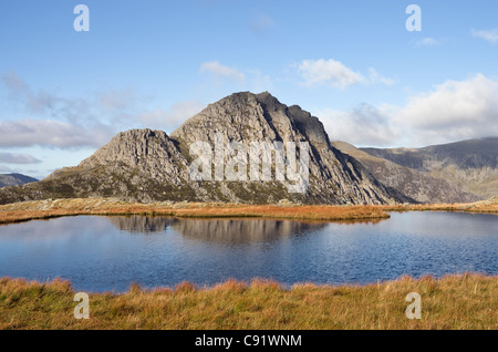 Conwy, North Wales, UK, Britain. View across Llyn Y Caseg-fraith to Tryfan mountain in Snowdonia National Park - Stock Photo