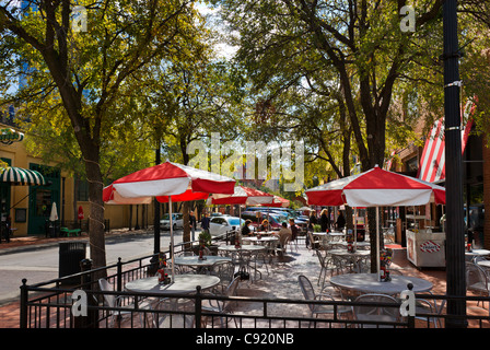 Tables on the Sidewalk outside TGI Fridays, N Market Street in the West End Historic District, Dallas, Texas, USA - Stock Photo